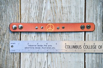 Mauve Peace Bracelet by Catfight Craft