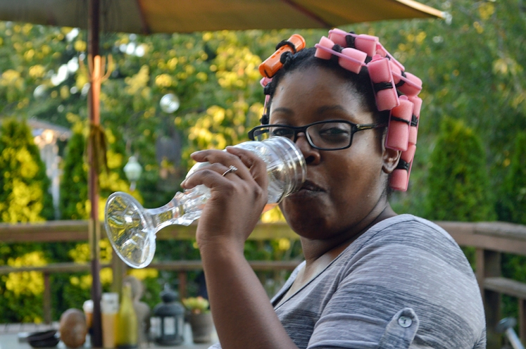 Brianna-Portrait-Dranks-and-Curlers