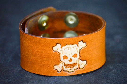 Skull n Crossbones Cuff by Catfight Craft